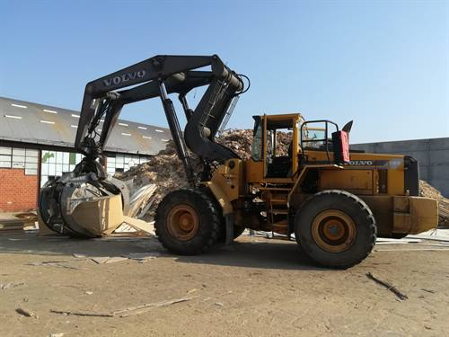 VOLVO L180C-HIGH LIFT PALA MOVIMENTATRICE GOMMATA