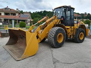 CATERPILLAR IT62H PALA GOMMATA